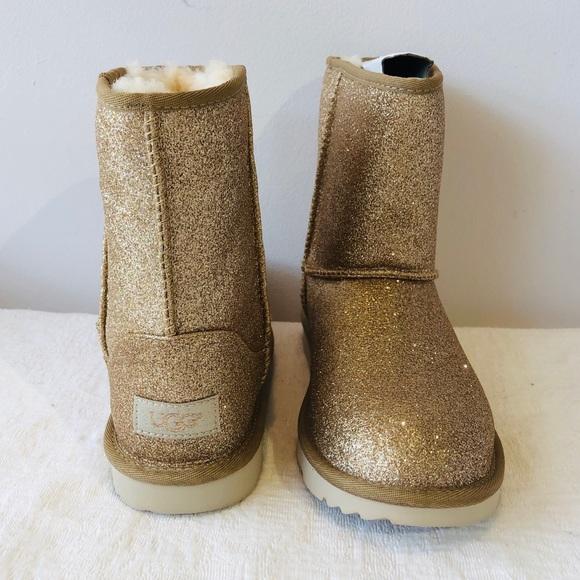 b7267e1d456 UGG Australia**Girls US 4 Sparkly Gold Boots**$130 NWT